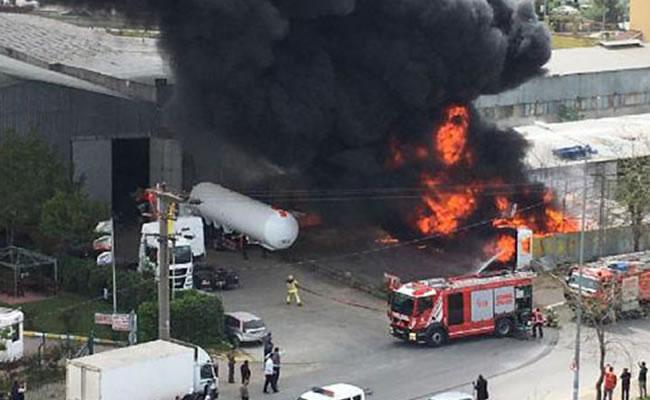 Plastik Fabrikasında Yangın